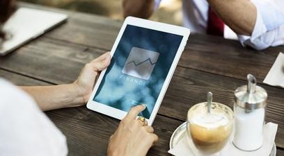 Finanza grafico economia tablet