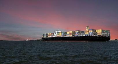 Nave cargo trasporto marine