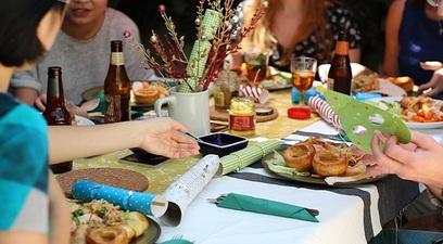Cena tavola amici