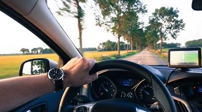 Auto navigatore strada cruscotto