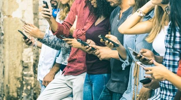 social-network-e-nuovi-media-il-martello-del-xxi-secolo