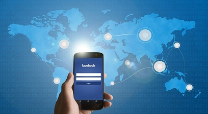 Facebook smartphone social network connessione