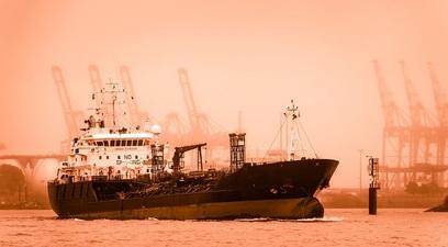 Da un mese una petroliera %c3%a8 arenata al largo delle isole salomone