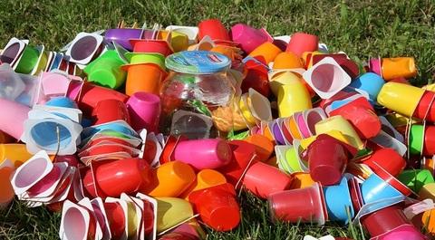 Plastica  80  italiani teme il disastro ambientale