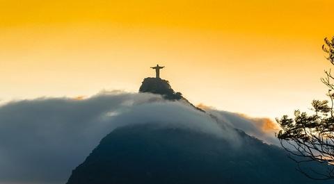 Covid 19  nel brasile di bolsonaro si rischia la catastrofe umanitaria