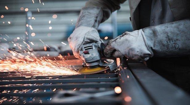 produzione-industriale-e-occupazione-tirano-il-fiato