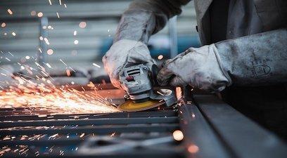Produzione industriale lavoro