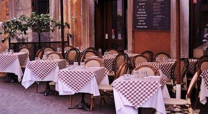 Bar e ristoranti ripartono con 45 miliardi in meno